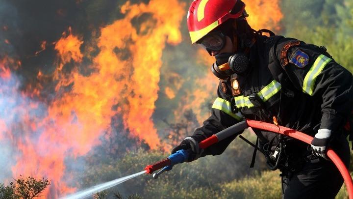 Φωτιά – Στο πλευρό της Ελλάδας το Ισραήλ – Στέλνει πυροσβέστες για να συνδράμουν στα πύρινα μέτωπα | tovima.gr