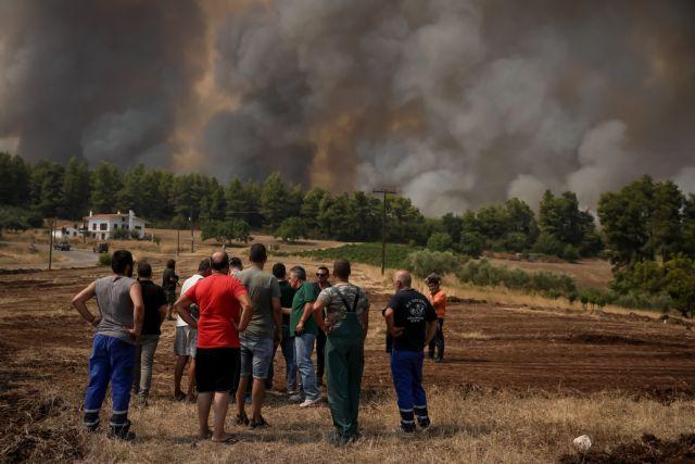 Φωτιά στην Εύβοια – Στις φλόγες και τα Βασιλικά – Μάχη για να σωθεί η Ιστιαία   tovima.gr