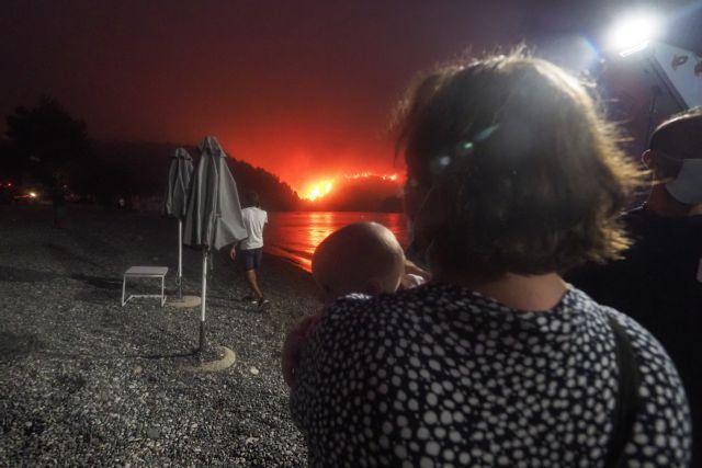 Φωτιά στην Εύβοια – Μαίνεται η πυρκαγιά στο νησί – «Μάχη» σε δύο μέτωπα   tovima.gr