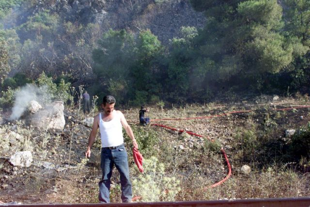 Φωτιά στην Αττική – Νέα εστία στη Μαλακάσα – Τιτάνια μάχη με τις φλόγες και τις αναζωπυρώσεις | tovima.gr