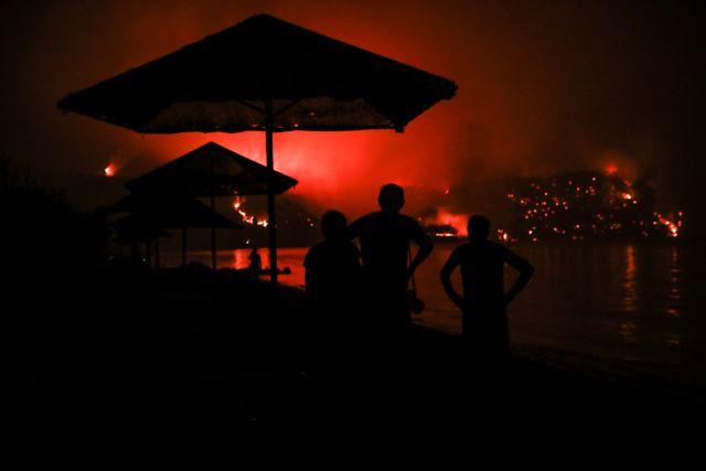 Φωτιά στην Εύβοια – «Βοηθήστε μας, θα καούμε ζωντανοί» – Δραματικές εκκλήσεις κατοίκων | tovima.gr
