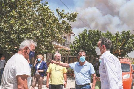 Μετωπική σύγκρουση στα αποκαΐδια | tovima.gr