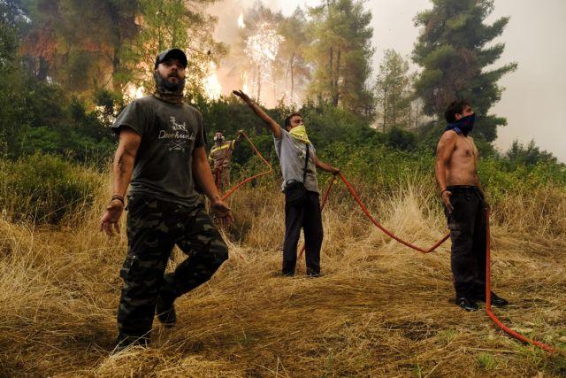 Φωτιά στην Εύβοια – Οι φλόγες ζώνουν ξανά το Αρτεμίσιο – Μάχη των κατοίκων να μην μπουν στο χωριό | tovima.gr