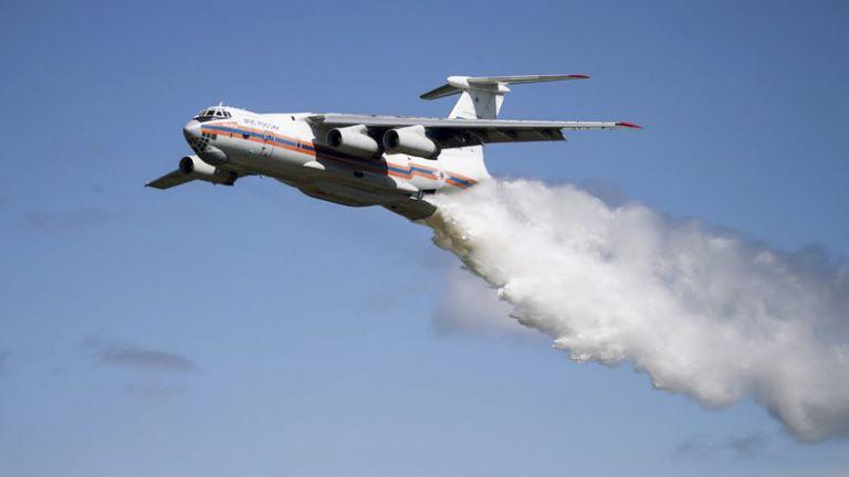 Φωτιές στην Ελλάδα – Τα θηριώδη ρωσικά αεροσκάφη Ilyushin Il-76 που συνδράμουν στην κατάσβεση | tovima.gr