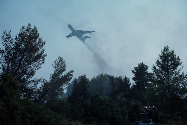 Φωτιές – Ενεργό το μέτωπο στη Γορτυνία, σηκώθηκαν τα εναέρια – Τι γίνεται στην Εύβοια | tovima.gr