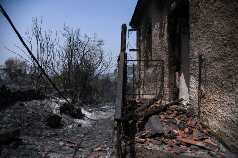 Εύβοια – Συγκλονιστικές ιστορίες από τις ηρωικές μάχες των κατοίκων με τις φλόγες | tovima.gr