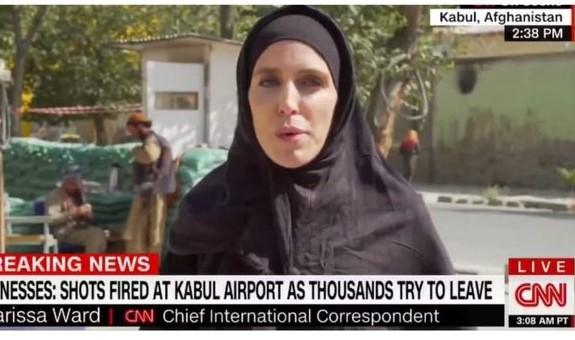 Ρεπόρτερ του CNN με μπούρκα – Πριν και αφού έπεσε στα χέρια των Ταλιμπάν   tovima.gr