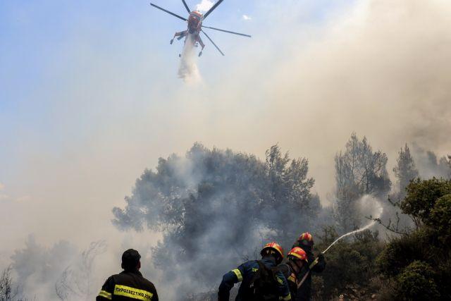 Φωτιά στο Μαρκάτι Λαυρίου – Κινητοποιήθηκαν επίγειες και εναέριες δυνάμεις | tovima.gr