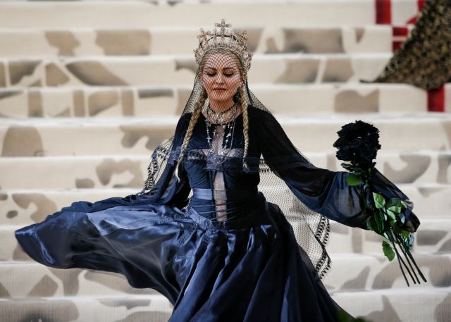 Η βασίλισσα έχει γενέθλια – Δέκα στιγμές που η Μαντόνα μας άφησε με το στόμα ανοιχτό | tovima.gr