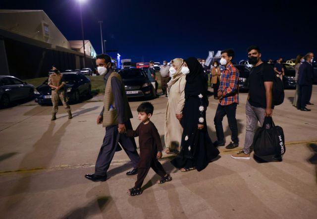 Αφγανιστάν – Σκοτάδι απλώθηκε στην Καμπούλ – Σκηνές απόγνωσης και αιματηρές διαδηλώσεις | tovima.gr