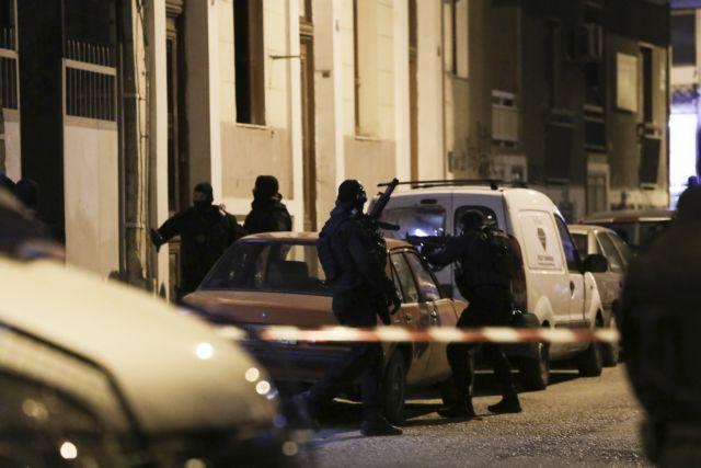Σκηνές φαρ ουέστ στο Περιστέρι – Ανταλλαγή πυροβολισμών και τρεις τραυματίες   tovima.gr
