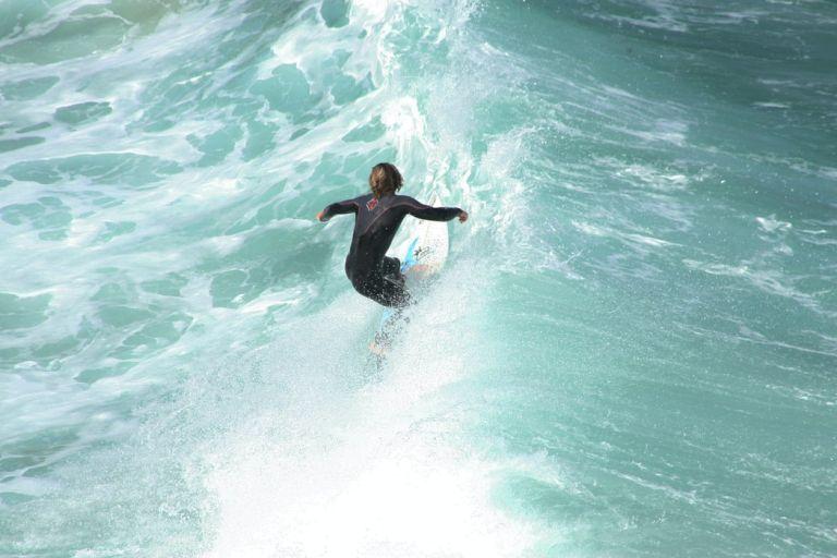 Βουλιαγμένη – Τραυματισμός 14χρονου σε flight surfboard | tovima.gr