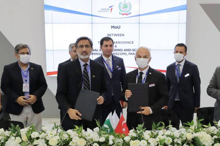 Τουρκία – Υπέγραψε σύμβαση κοινής παραγωγής drones με το Πακιστάν | tovima.gr