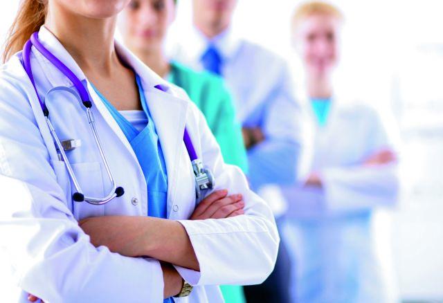 Δικηγόρος ανεμβολίαστων υγειονομικών – Η αναστολή εργασίας παραβιάζει σημαντικά δικαιώματα   tovima.gr