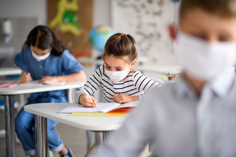 Ισπανία – Υποχρεωτική η μάσκα για τους μαθητές | tovima.gr