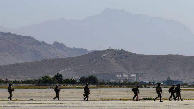 Αφγανιστάν – Μεγάλη έκρηξη έξω από το αεροδρόμιο της Καμπούλ | tovima.gr