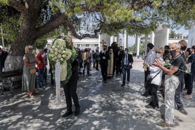 Ανέστης Βλάχος – Συγκίνηση στην κηδεία του αγαπημένου «κακού» του ελληνικού κινηματογράφου | tovima.gr