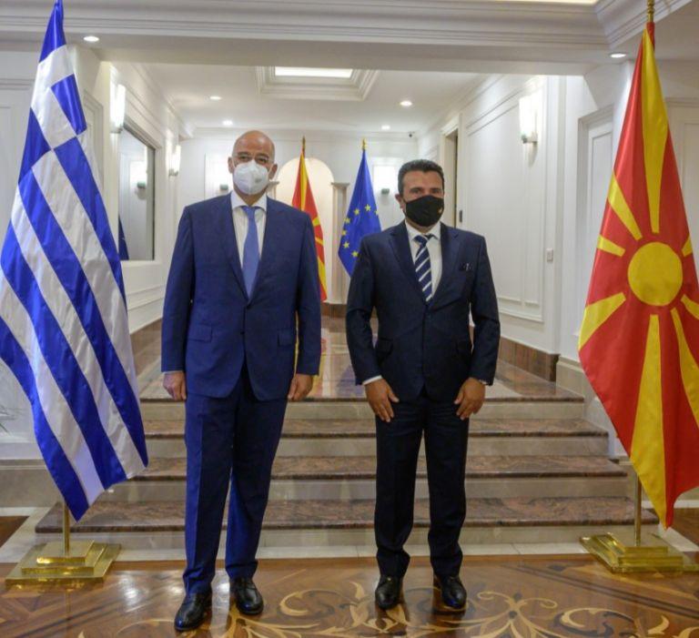 Ζάεφ – Δένδιας – Τι συζήτησαν για την εφαρμογή της Συμφωνίας των Πρεσπών | tovima.gr