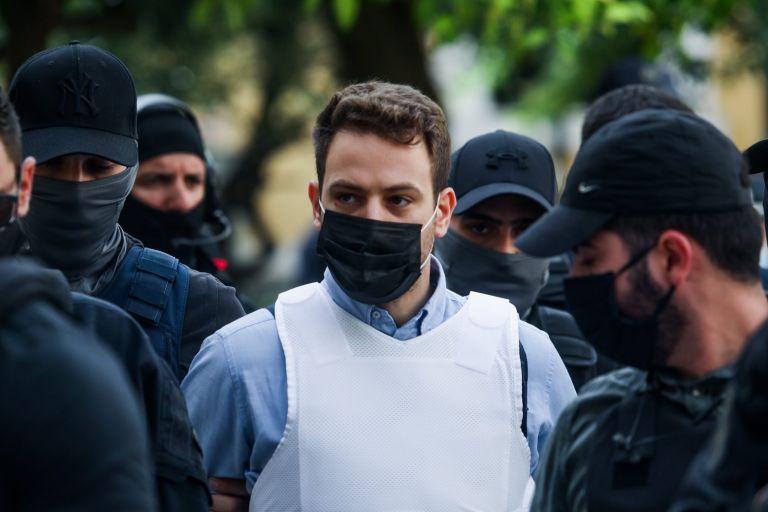 Γλυκά Νερά – «Δεν υπάρχει συνεργός» λέει ο δικηγόρος του συζυγοκτόνου | tovima.gr