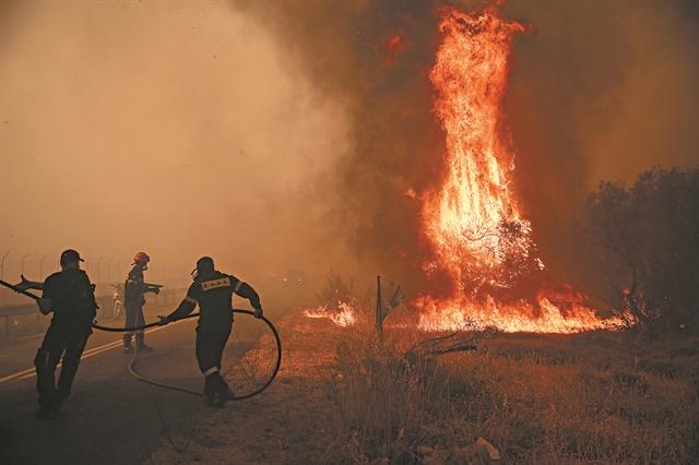 Το «ντόμινο» που κατέκαψε 1.300.000  στρέμματα δάσους   tovima.gr