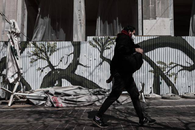 Κορωνοϊός – Εκρηξη θετικότητας, συναγερμός στο ΕΣΥ – Ποιες περιοχές φλερτάρουν με μίνι lockdown | tovima.gr