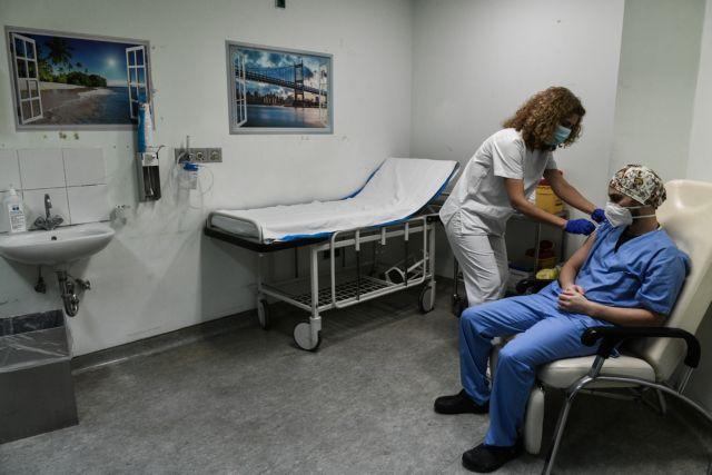 Πλεύρης – Άμεση άρση αναστολής για όσους υγειονομικούς εμβολιαστούν με 1η δόση | tovima.gr