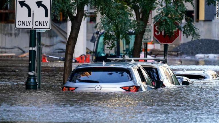 Τυφώνας Άιντα – Δεκάδες νεκροί – Συγκλονιστικές εικόνες από τις πλημμύρες | tovima.gr