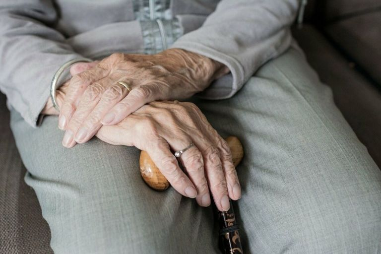 Γηροκομείο Χανίων – Τους είχαν δεμένους και υποσιτισμένους – Σοκαριστικές μαρτυρίες   tovima.gr