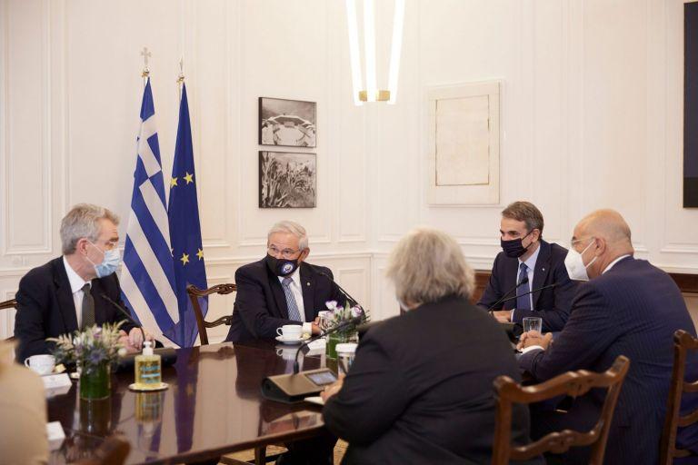 Μητσοτάκης – Συνάντηση με τους Αμερικανούς γερουσιαστές Κρίς Μέρφι και Τζον Όσοφ   tovima.gr