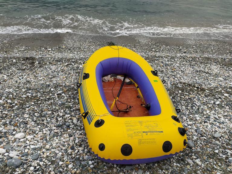 Θερμαϊκός – «Ήμουν στο έλεος του Θεού, μόνο με ένα κουπί», λέει ο ψαράς που πάλευε πέντε μέρες με τα κύματα   tovima.gr