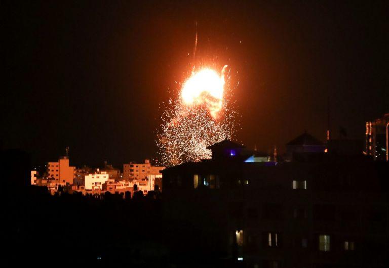 Ισραήλ – Νέα επιδρομή στη Λωρίδα της Γάζας σε αντίποινα για τη ρίψη εμπρηστικών μπαλονιών   tovima.gr