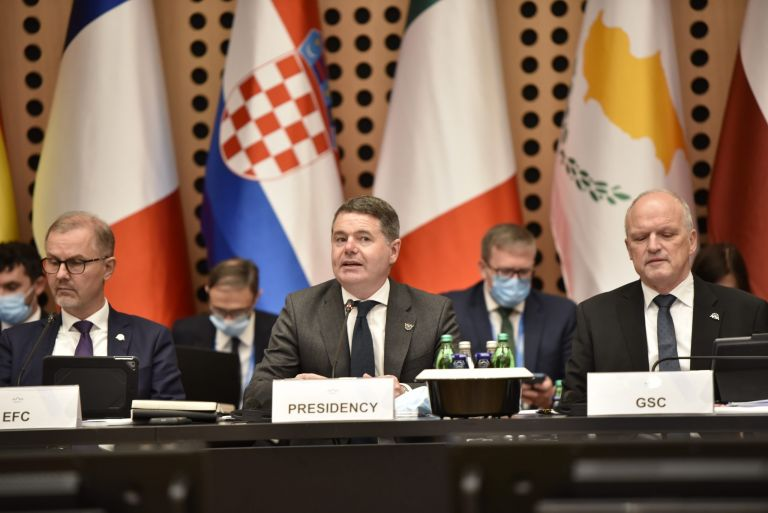 Eurogroup  – Να διατηρηθούν τα μέτρα στήριξης – Τα τρία μηνύματα που στέλνει | tovima.gr