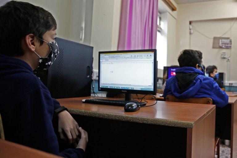 Μακρή – Τα σχολεία θα κλείσουν μόνο αν το πουν οι ειδικοί   tovima.gr