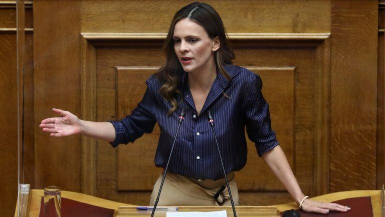 Αχτσιόγλου – «Προσβλητική για τους νέους η στάση Μητσοτάκη στη ΔΕΘ» | tovima.gr
