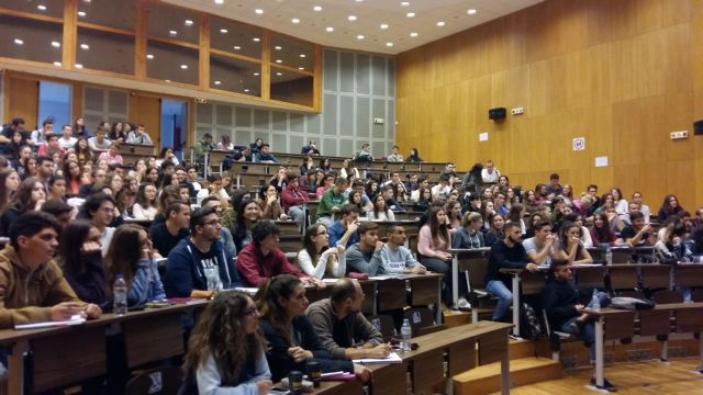 Πανεπιστήμια – Προβληματίζει η επιστροφή στα αμφιθέατρα – Στον αέρα ο έλεγχος covid   tovima.gr
