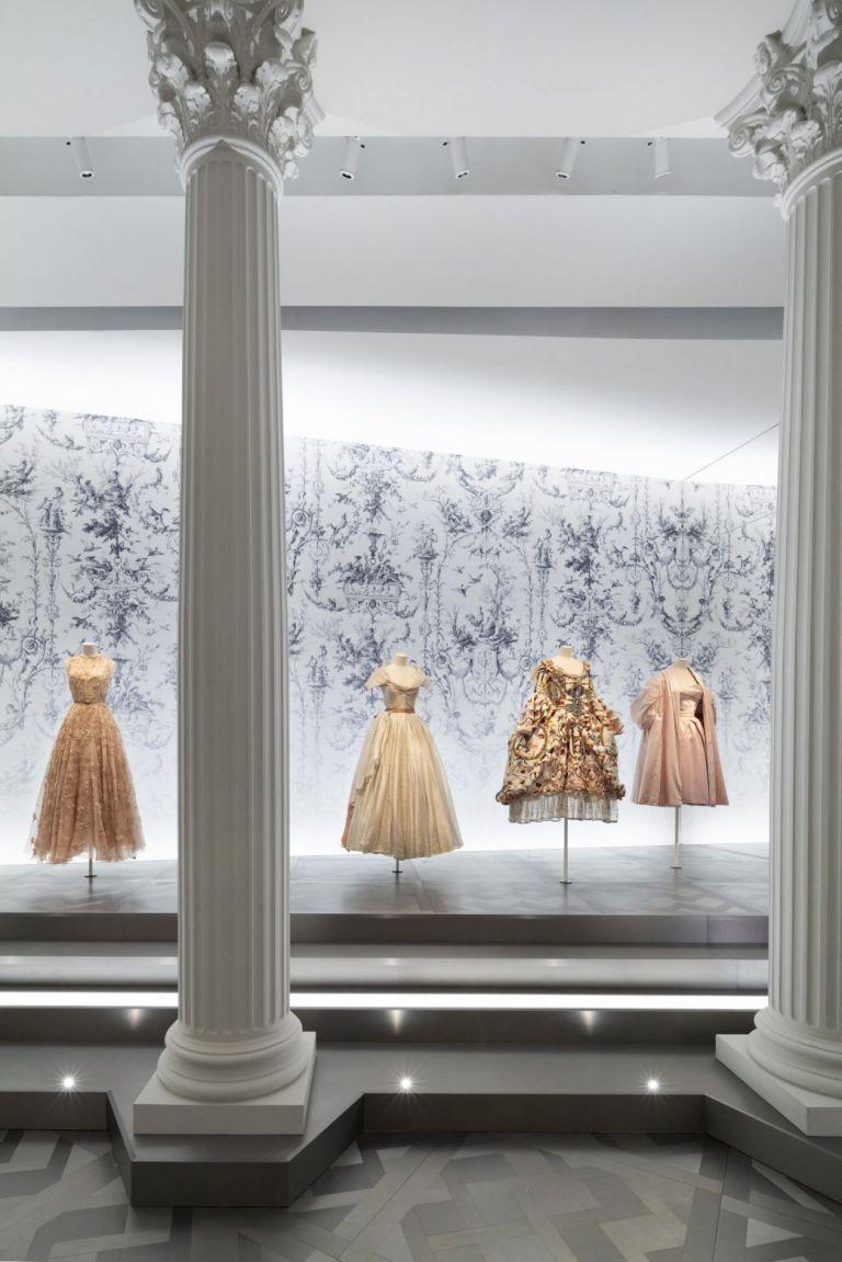 Η θρυλική έκθεση «Christian Dior: Designer of Dreams» πάει Νέα Υόρκη | tovima.gr