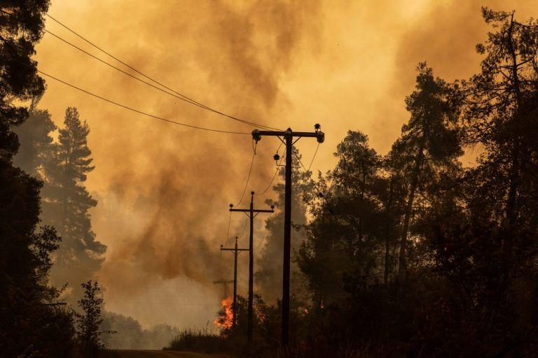 Έρευνα – Πάνω από 33.000 θάνατοι ετησίως συνδέονται με ρύπανση από δασικές πυρκαγιές   tovima.gr