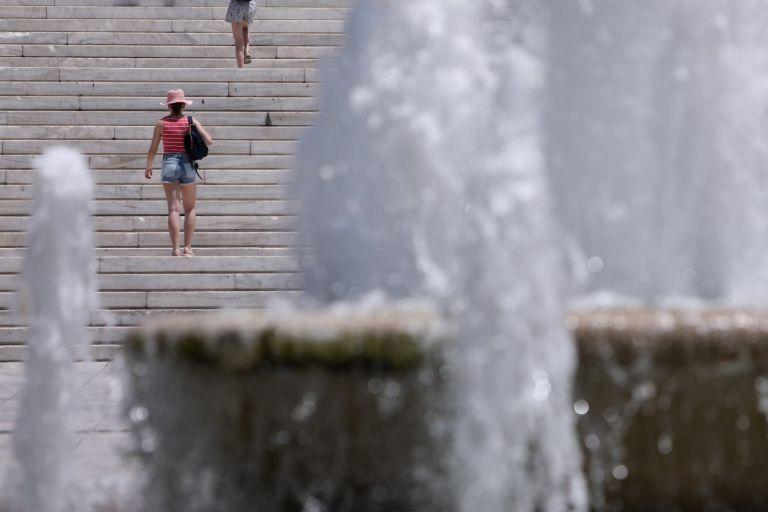 Καιρός – Έρχεται θερμό Σαββατοκύριακο – 35άρια «λίγο πριν χειμωνιάσει απότομα» | tovima.gr
