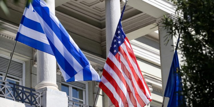 Με το βλέμμα στην ανανέωση της συμφωνίας με τις ΗΠΑ – Τι περιμένει η Αθήνα | tovima.gr