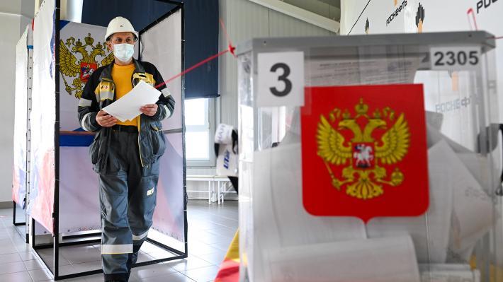 Στις κάλπες οι Ρώσοι – Συναγερμός στο σύστημα Πούτιν – Τα τεχνάσματα, το μήνυμα | tovima.gr