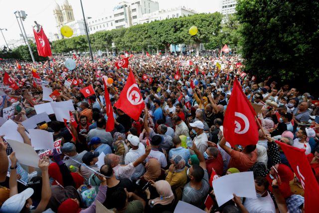 Τυνησία – Χιλιάδες διαδηλωτές κατά του προέδρου   tovima.gr