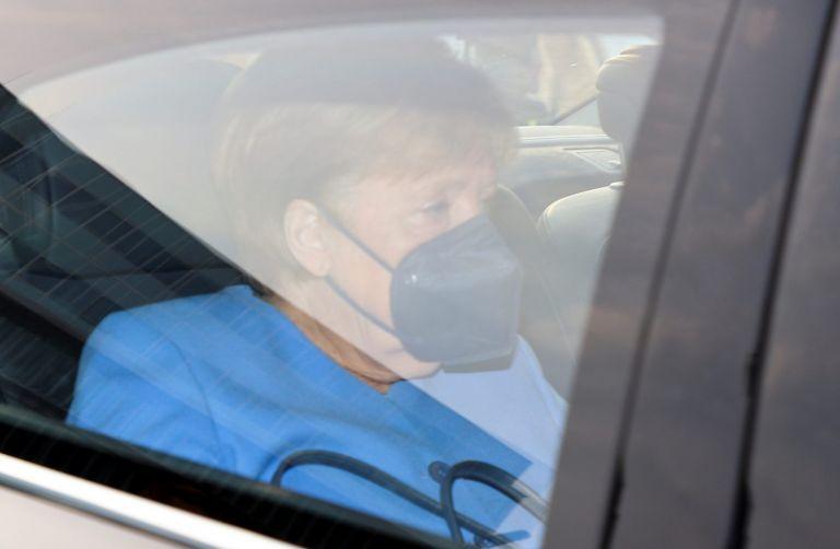 Άνγκελα Μέρκελ – Δάκρυσε μπροστά στις κάμερες αποχαιρετώντας την καγκελαρία | tovima.gr