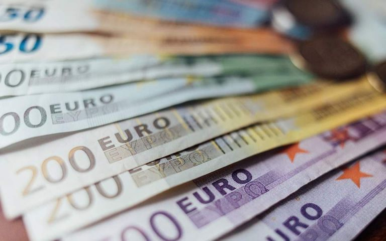 Deposits rose by 30 billion euros during the pandemic | tovima.gr