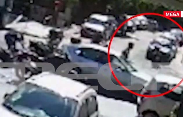 Αποκλειστικό MEGA – Καρέ – καρέ η σύλληψη του δραπέτη πού λήστεψε την τράπεζα στη Μητροπόλεως | tovima.gr