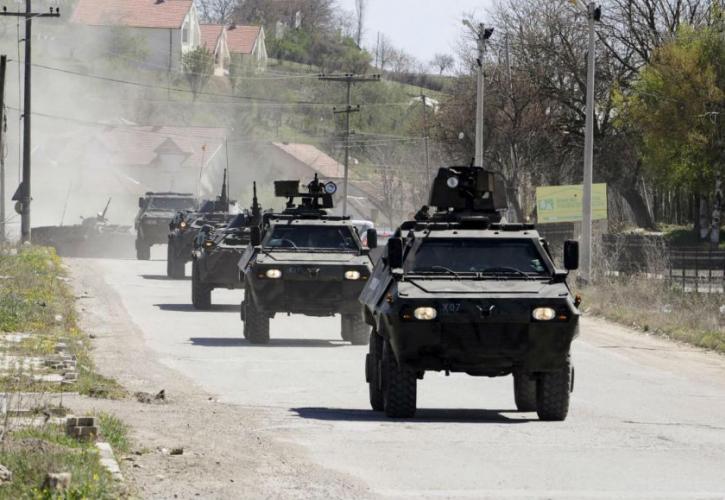 Κλιμακώνεται η ένταση μεταξύ Σερβίας και Κοσόβου – «Πυροσβεστική» παρέμβαση της Κομισιόν | tovima.gr