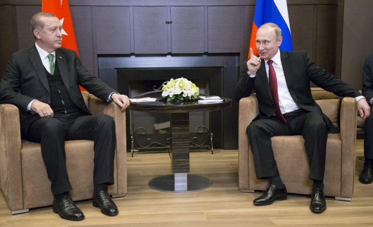 Πούτιν – Γιατί είναι απίθανο να εμπιστευτεί τον Ερντογάν παρά την πίεση που του ασκεί η Δύση | tovima.gr