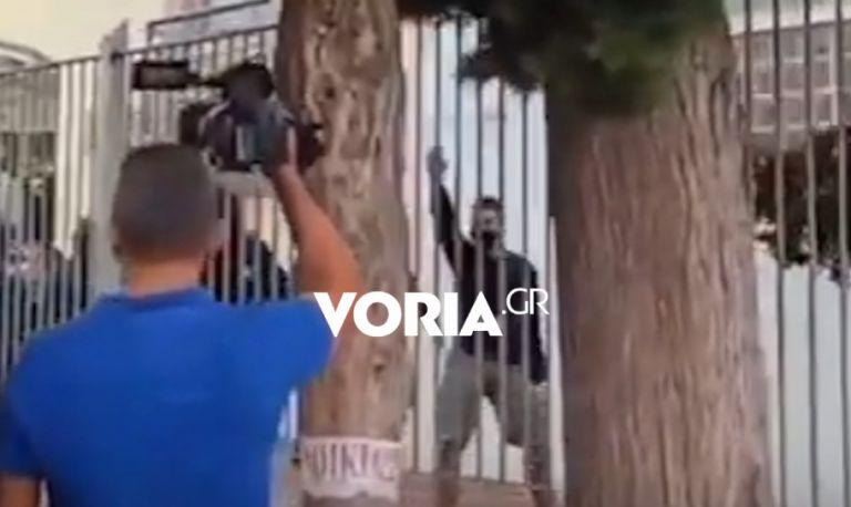 Θεσσαλονίκη – Ναζιστικοί χαιρετισμοί μέσα από το ΕΠΑΛ – Προκαλούν οι κουκουλοφόροι   tovima.gr