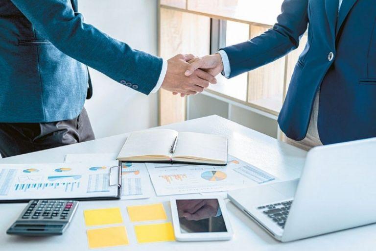Αυτά είναι τα «κίνητρα» που προβλέπει το νομοσχέδιο για τη συγχώνευση επιχειρήσεων | tovima.gr