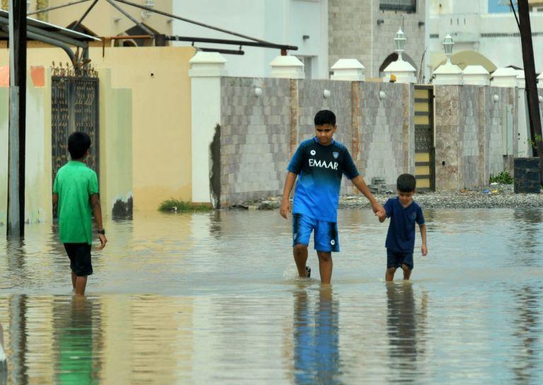 Ομάν – «Σάρωσε» τη χώρα ο κυκλώνας Σαχίν – Τουλάχιστον 11 νεκροί, πολλοί οι αγνοούμενοι | tovima.gr