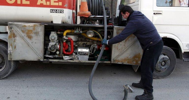 Εκτοξεύονται οι τιμές στα καύσιμα – Ενιαίο διευρυμένο επίδομα για φυσικό αέριο και πετρέλαιο εξετάζει η κυβέρνηση | tovima.gr